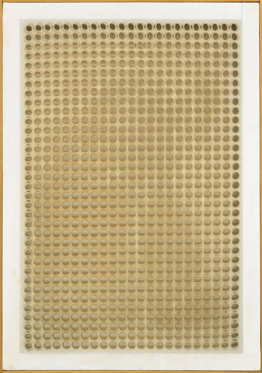 <b>Dadamaino, Volume a moduli sfasati, 1960, Hilti Art Foundation</b>