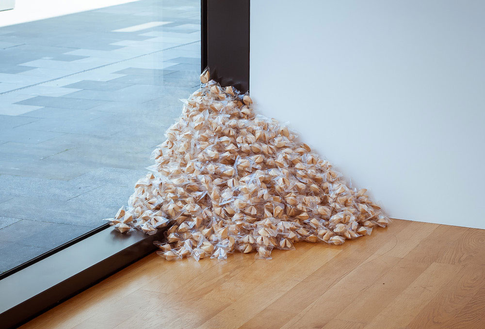 Felix Gonzalez-Torres, Untitled (Fortune Cookie Corner), 1990